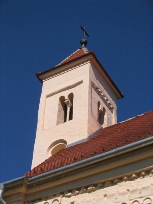 orsegi_szallas_oriszentpeteri_templom_tornya