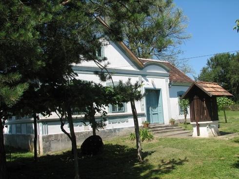 Kercaszomori kék ház