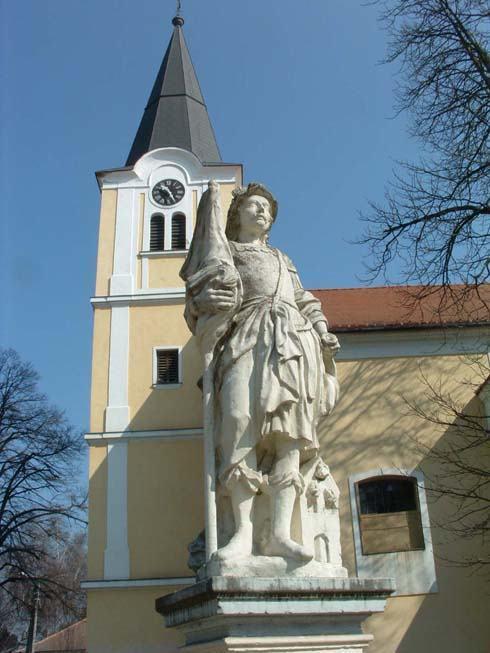 Lenti város katolikus templomának tornya