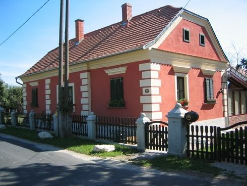 Szép bajánsenyei ház