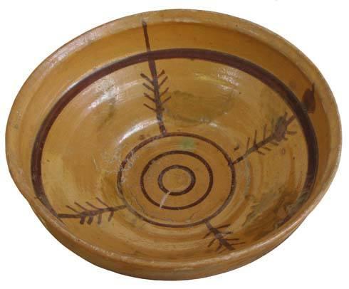 Magyarszombatfai tányér a szár és a lyuk szójelével